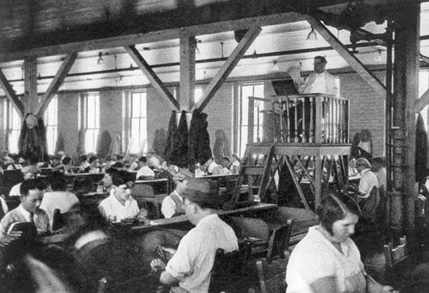 21 - 11 Lector Who Entertained Factory Workers