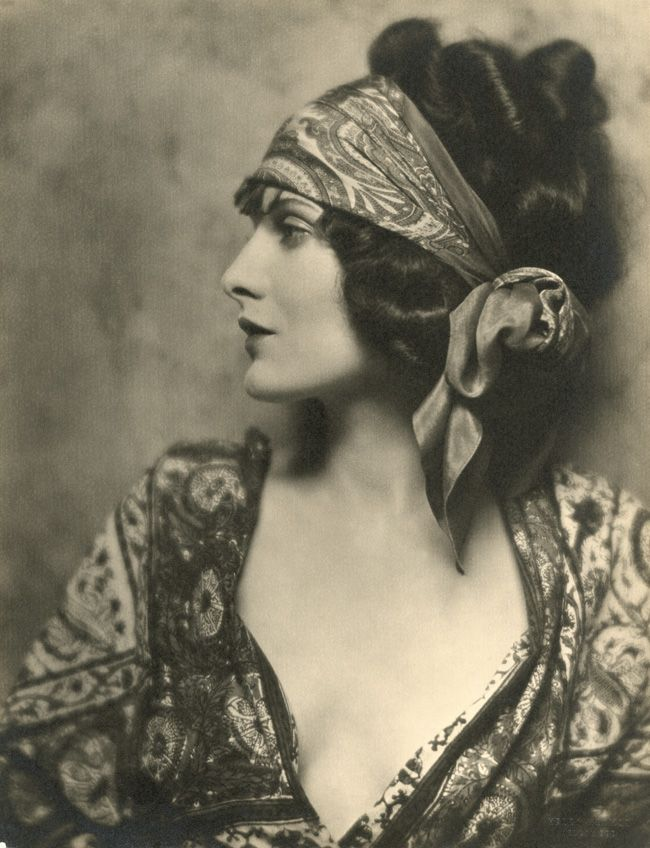 Silent film star Evelyn Brent, 1924.