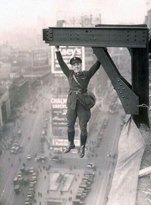 NYC policeman, 1920