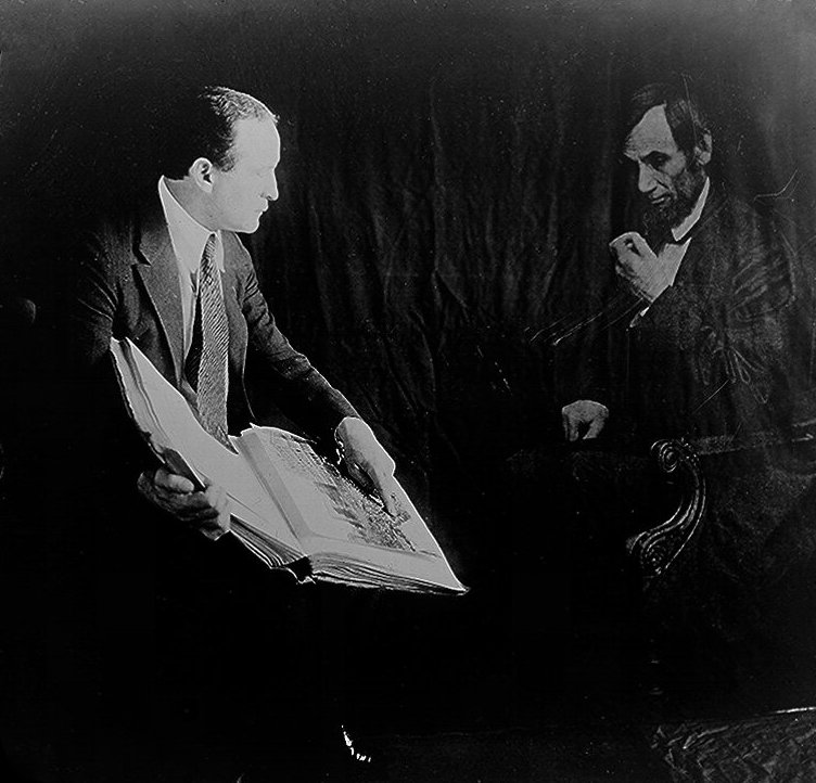 """Harry Houdini demonstrates photo manipulation by taking a """"spirit photograph"""" with Abraham Lincoln, 1920s"""