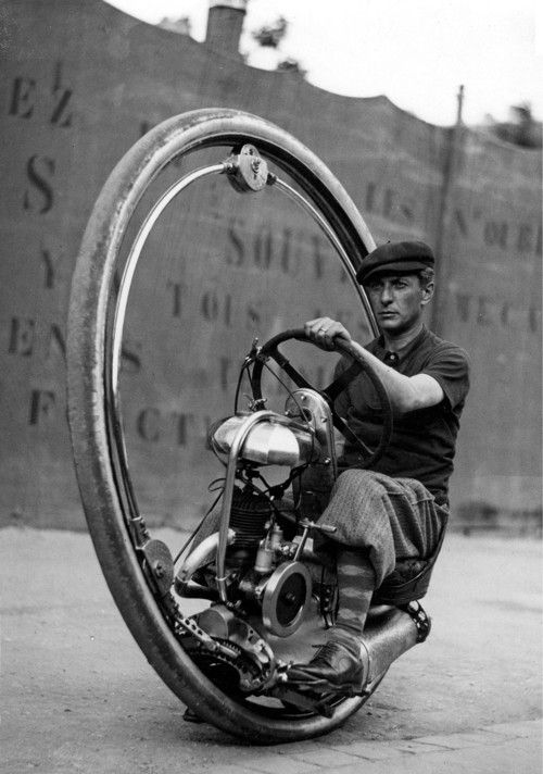 Walter Nilsson in the Monowheel, 1933