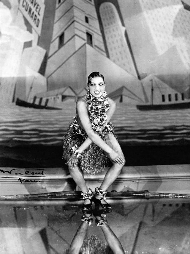 Josephine Baker dances the Charleston, 1926