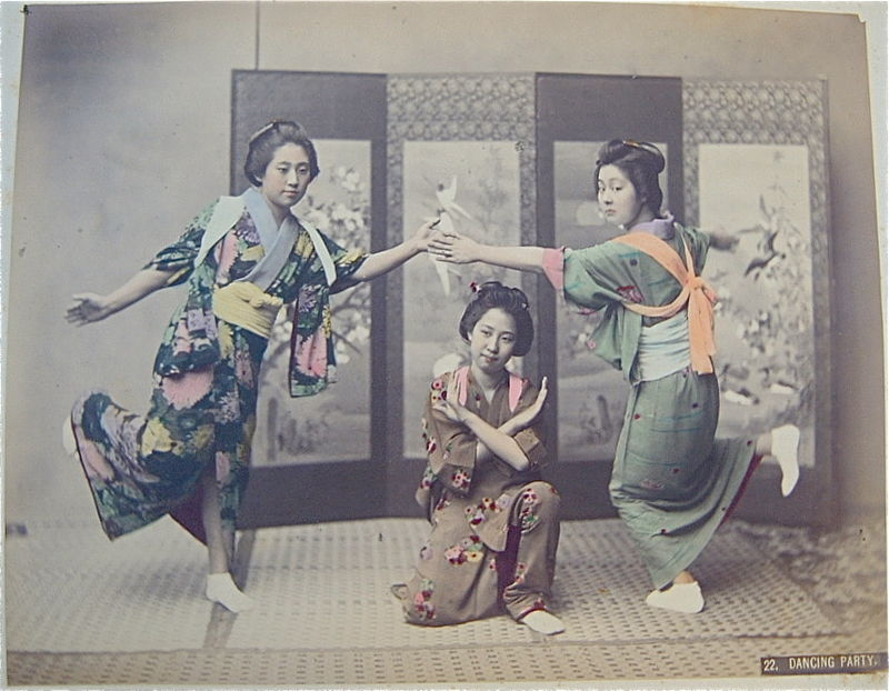 Kusakabe_Kimbei_22_Dancing_Party