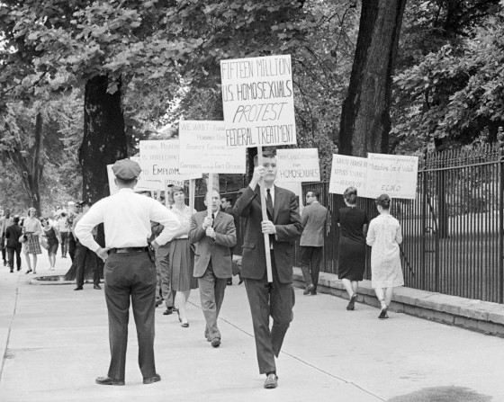 gay-rights-fifteen-million-us-homosexuals-protest-federal-treatment-1965-white-house-picketing