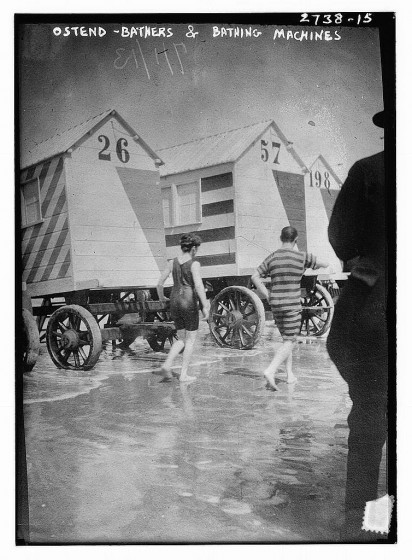victorian-bathing-machines-van (13)