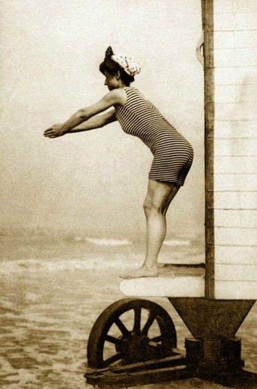 victorian-bathing-machines-van (26)
