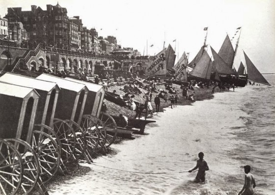 victorian-bathing-machines-van (30)