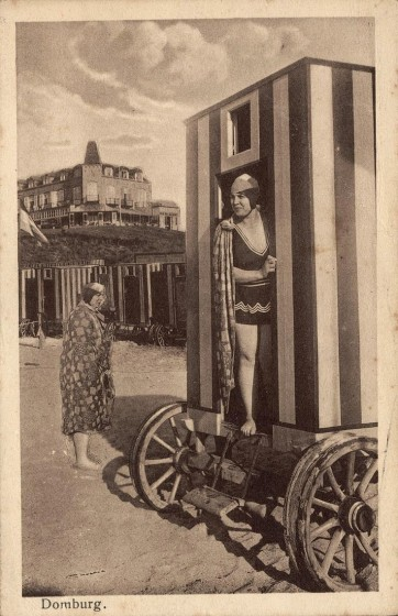 victorian-bathing-machines-van (31)