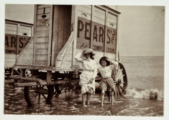 victorian-bathing-machines-van (32)