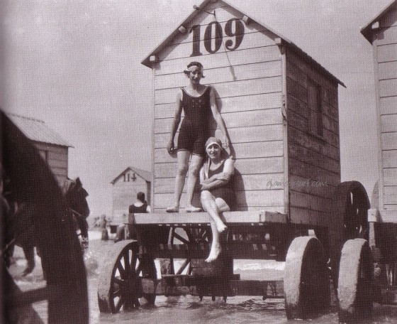 victorian-bathing-machines-van (35)